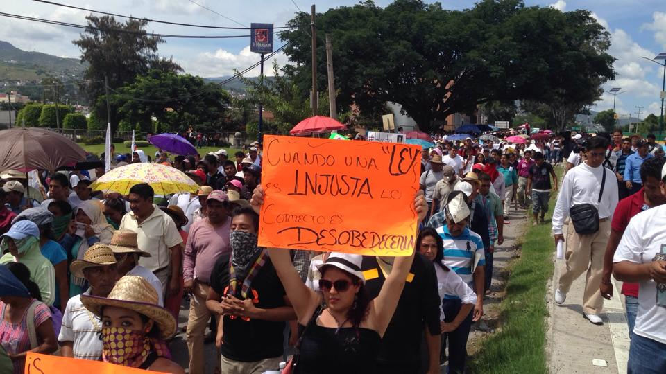 Guerrero, entre masacres y narco-gobiernos