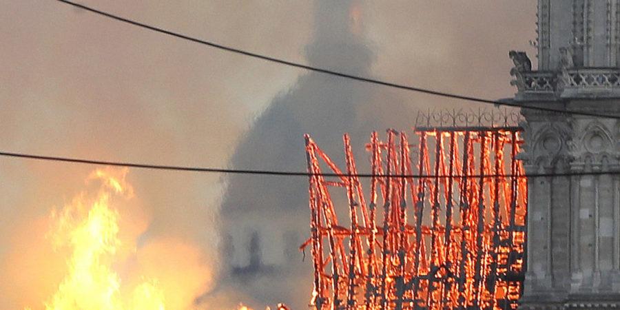 AMLO lamenta incendio en Notre Dame; Ebrard ofrece ayuda para la reconstrucción