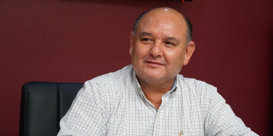 La reelección, hasta finales de año:  Santos González