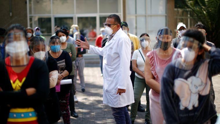 México es el país con más muertes entre el personal de salud por COVID-19: Amnistía Internacional